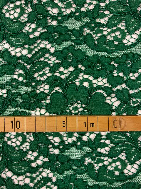 Spitze Grün 5